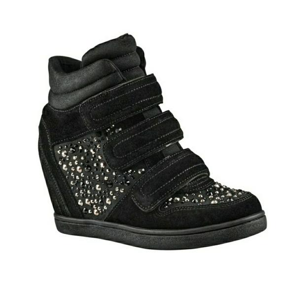 b7d4bba3c39 Aldo Shoes - Aldo Lacks Black Sneaker Wedge Studs Rhinestones 9